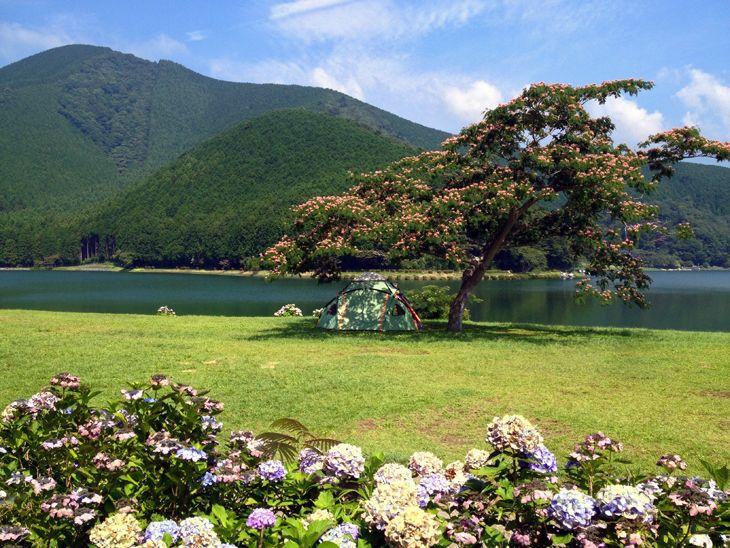 田貫湖の湖畔
